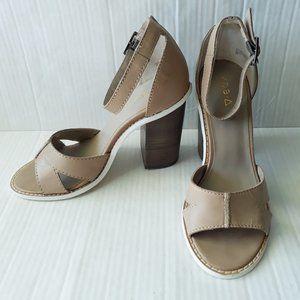 Kelsi Dagger Beige Leather Stacked Heel Sandals 8M